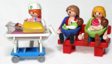 Une infirmière de pédiatrie et sa clientèle